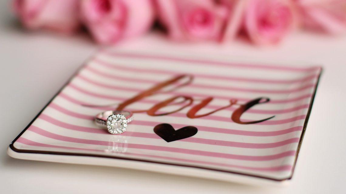 La bague de fiançailles en diamant, pourquoi choisir ce modèle ?