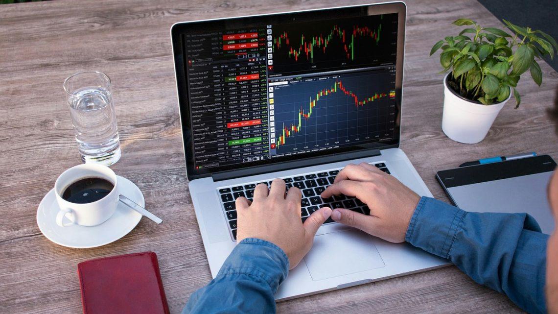 Les équipements indispensables pour débuter en trading